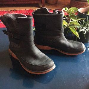 chaco rain boots